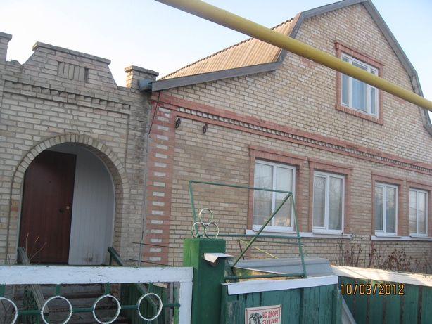 Продаётся большой дом (3 этажа) в с. Новогнатовка