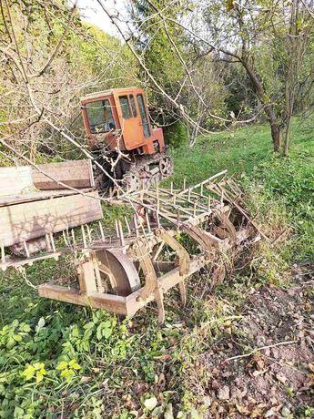 Трактор. Т70 в робочому стані