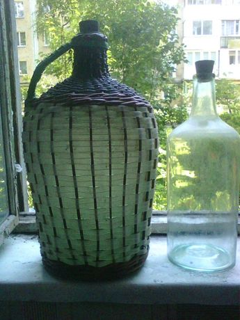 Бутыль 4л как новый, пробки стеклянные к бутылям 20л