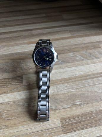 Женские Часы Casio на железном ремешке