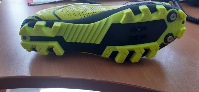 Sapatos para BTT 42 com pedal de encaixe
