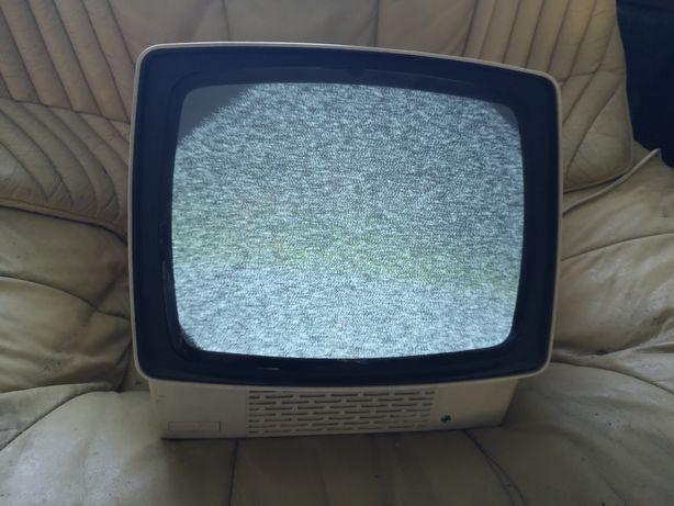 Telewizor z PRlu Neptun 150C działający możliwa wysyłka!!