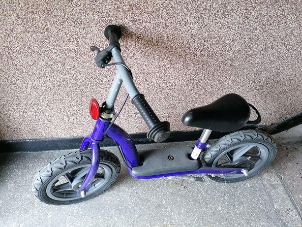 Rowerek biegowy granatowy dla dziecka od 2do 4 lat