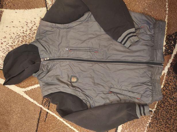 Курточка на мальчика демисезонная