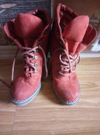 Продам ботиночки.