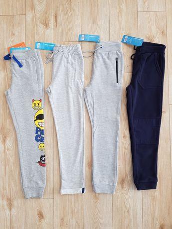 Zestaw 4 par NOWE spodnie dresowe 134 128 lekko ocieplane i polar