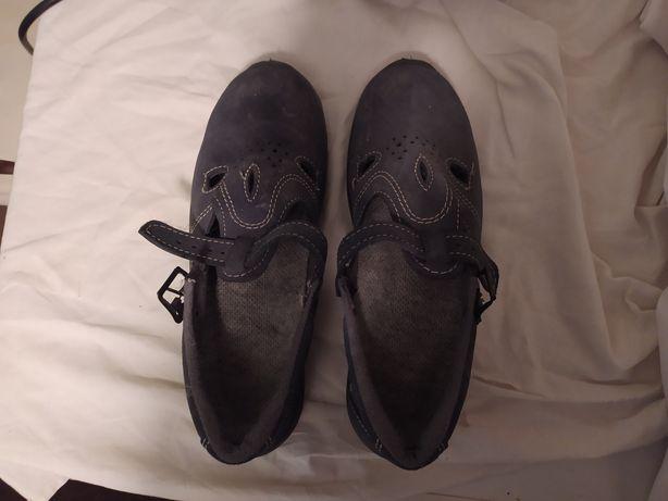 Buty robocze z obitym przodem