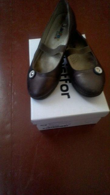 Школьные туфли размер 32 фирма bistfor для девочки