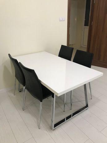 Krzesła błyszcząca eko skóra aluminiowe nogi - cena za sztukę