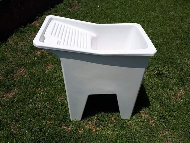 Pia / tanque de lavar roupa