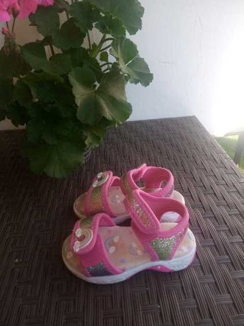 Sandalki w r. 22 f&f
