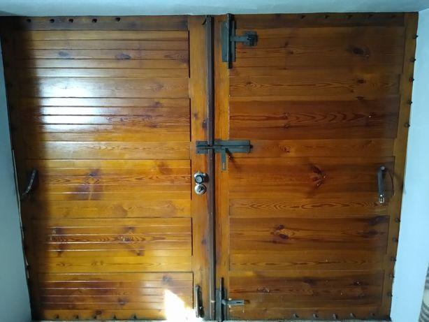Brama garażowa drewno
