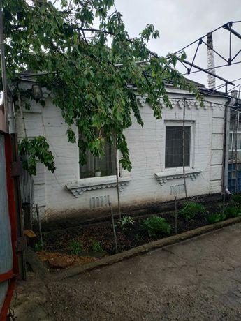 ТЕРМІНОВО, Продається добротний будинок в центрі міста