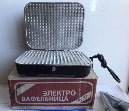 "Электровафельница, Вафельница электрическая ""Ласунка "" новая !"