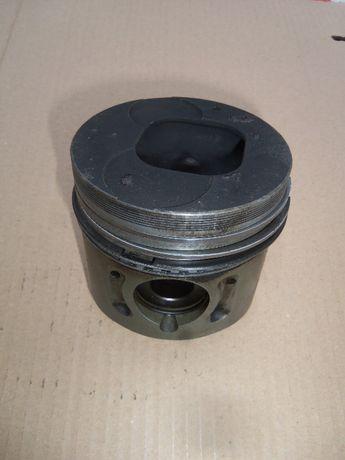 Tłok Isuzu 2.2DI Thermo King części SB SMX D201