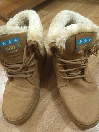 Зимові чобітки на шнурівці