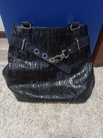 Красивая кожаная сумка