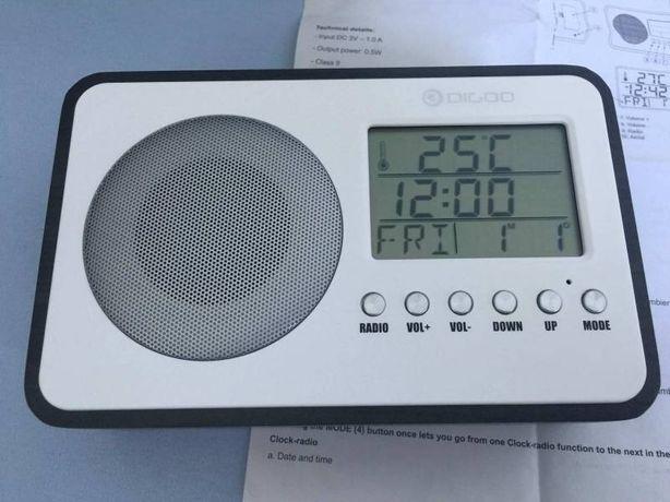 Настольные часы с радио Digoo DG FR600