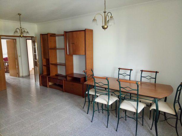 Apartamento T3 com arrumos e garagem 112 m2 + 61 m2