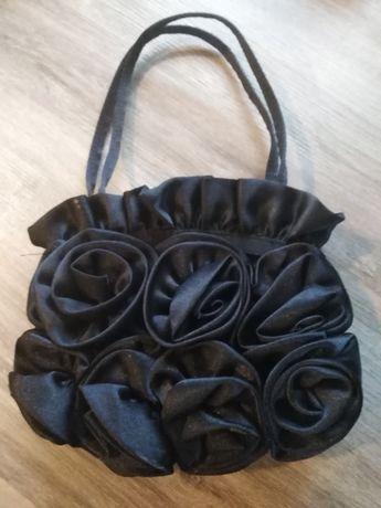 Atłasowa torebka mała