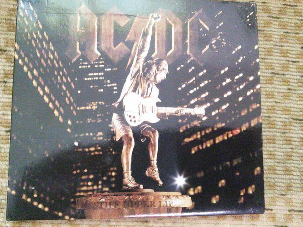 AC/DC Stiff Upper Lip COMO NOVO