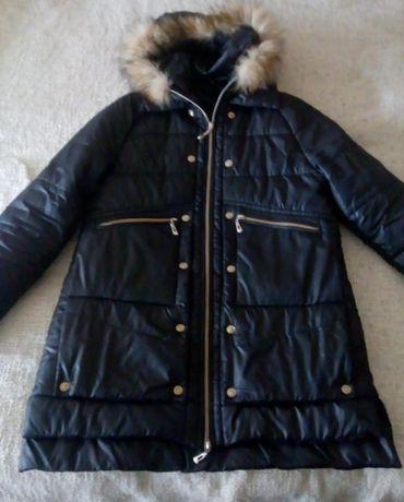 Зимова куртка в стилі moncler