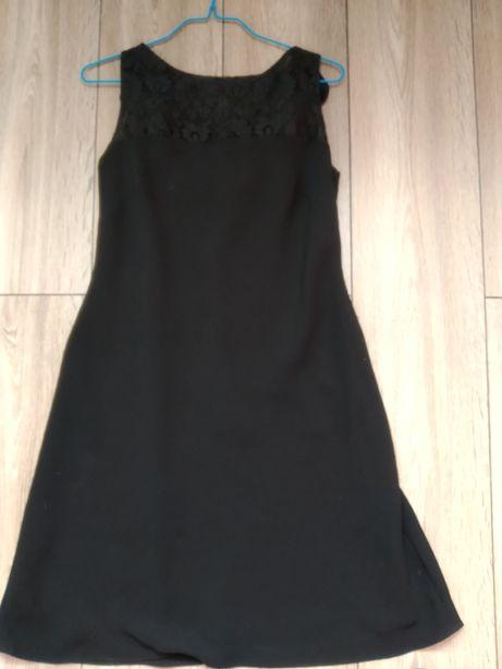 Sukienka mała czarna rozmiar M, z przodu koronka