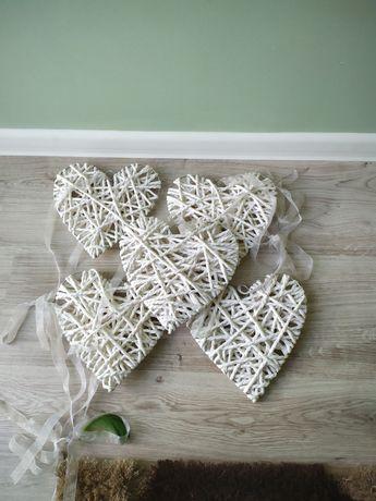 Serca z białego sznurka