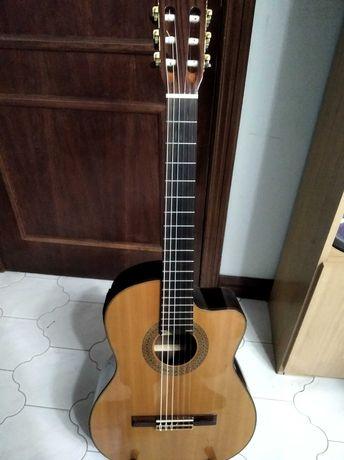 Guitarra clássica Almeria eletroacústica