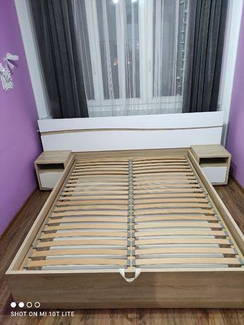 Łóżko sypialniane 160cm x 200cm + szafki nocne