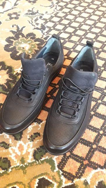 Кожаные мужские новые туфли