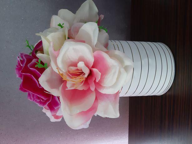 """Flowerbox , Sztuczne kwiaty w pudełku """" Handmade """""""