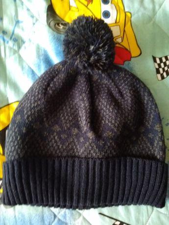 Продам шапку демисезон/ не холодная зима