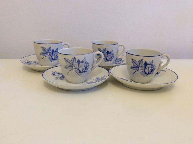 Conjunto de  chávenas de café em porcelana Candal