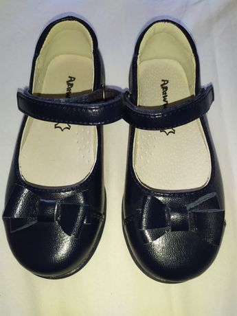 Продам детские туфельки для девочки 27 размера