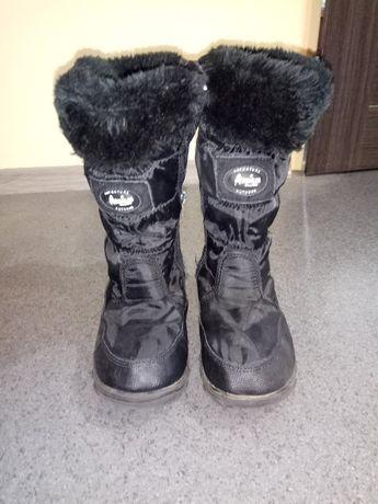 Sprzedam buty zimowe śniegowce rozm.34 ocieplane