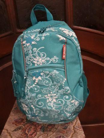 Школьный рюкзак Herlitz,б/у,цвет морской,размер 42*30*16см.