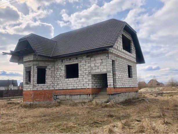 Продається земельна ділянка з недобудованим будинком
