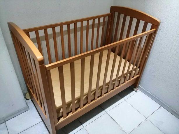 Cama grades Prenatal c/ colchão e têxteis (edredão, lençois e proteção