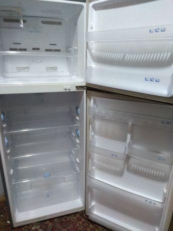 Продам двухкамерный холодильник Samsung NoFrost