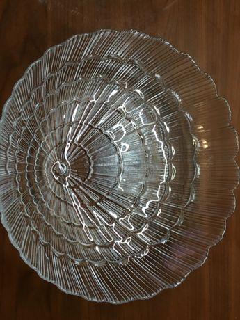 Тарелки стеклянные