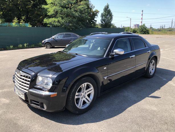 Chrysler 300C в идеале. С газом. Срочно.