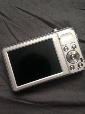 Цифровий фотоапарат Samsung Zoom Lens 5x