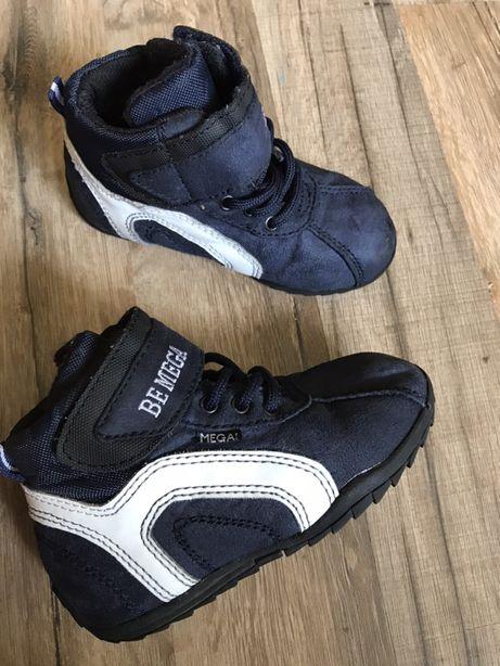 Высокие кроссовки ботиночки Mega р.25