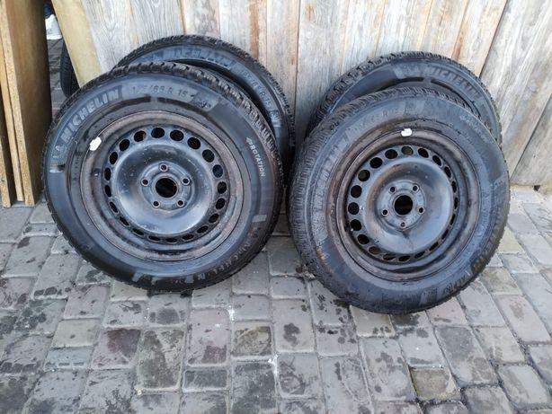 Продам зимові колеса на дисках