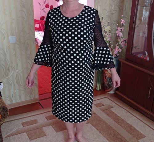 Нарядное платье в горох 52р