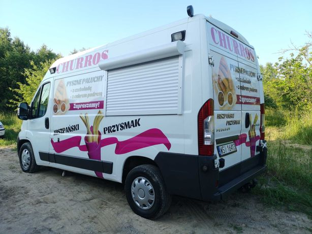 Peugeot Boxer food truck karetka