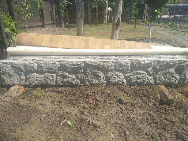 Продам бетонну плиту на забор.