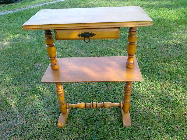 Stolik drewniany stary.