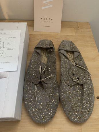 Buty soft zamszowe ze zlotym pylkiem Kafka concept Anniel 39